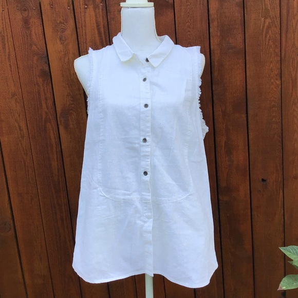 Free People Tops - Free People Fringed Sleeveless Collar Button Shirt